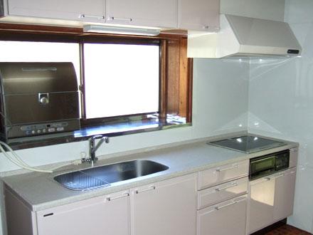 キッチンリフォーム/明るく清潔感のあるキッチン