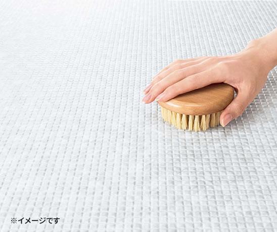 床はすぐ乾いて滑りにくい「カラリ床」